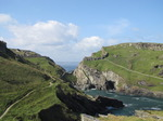 SX07037 Tintagel Castle and caves from Barras Nose.jpg